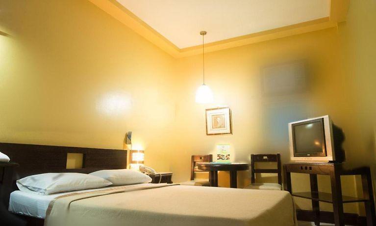 Vista Hotel Recto Manila - Book 2-Star Accommodation from $31